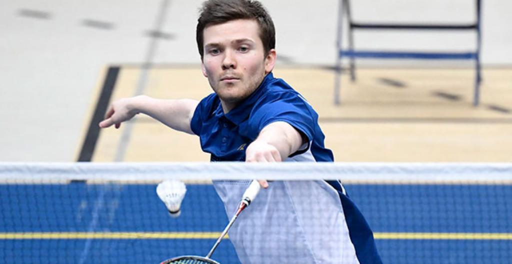 Badmintonspelaren Kalle Koljonen deltar i OS i Tokyo.